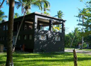 cuartel-general-de-cisneros-en-la-playa-esmeralda