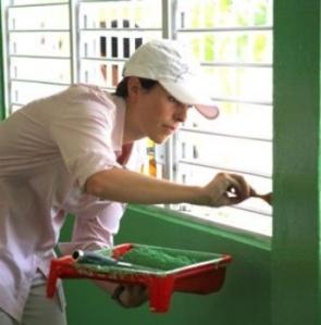 Fundación Cisneros repara escuela en Miches.