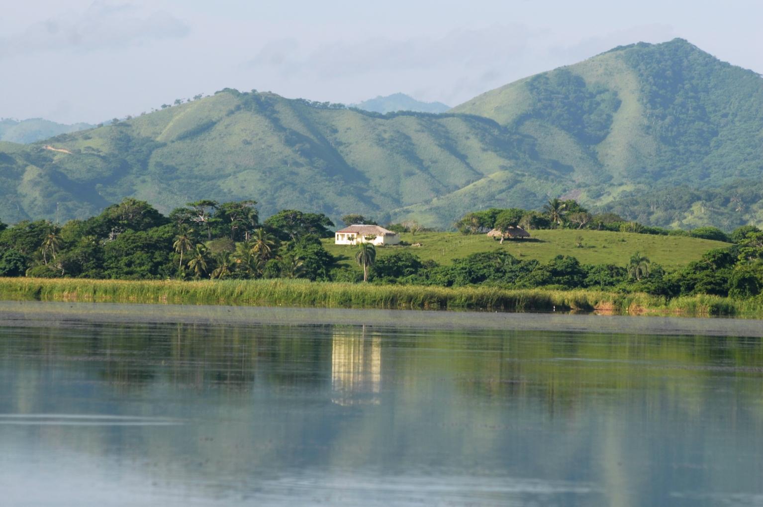 Dominica Y Su Conjunto - Dominica En Orbita