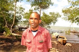 El tecnico del Ministerio de Medio Ambiente Julian Antonio Martinez Torres